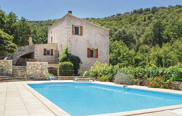 Holiday home in Ville-di-Paraso