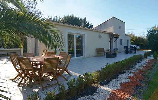 Holiday home nsflh223