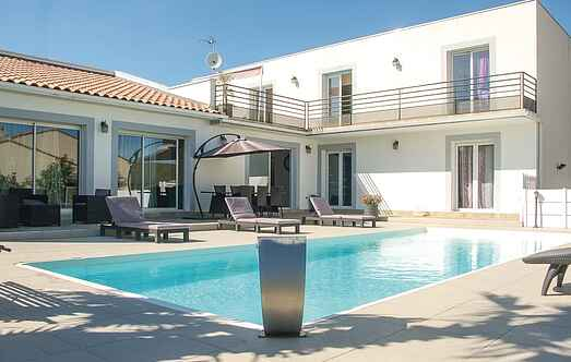 Holiday home nsflh238
