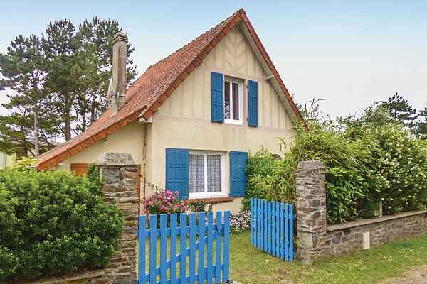 Holiday home in Bretteville-sur-Ay