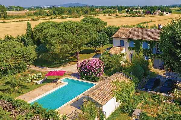 Holiday home in Caderousse