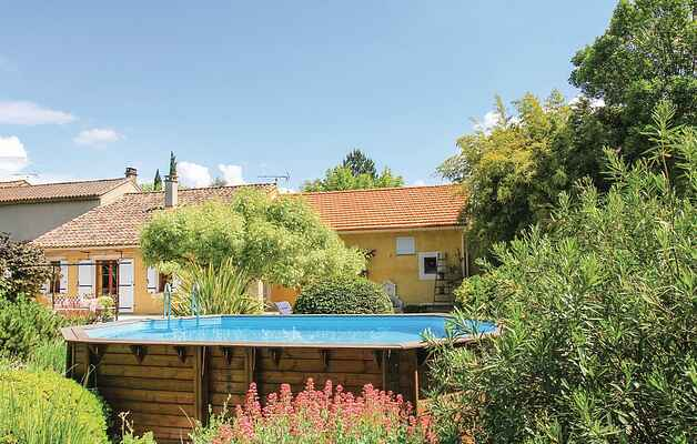 Holiday home in Pernes-les-Fontaines