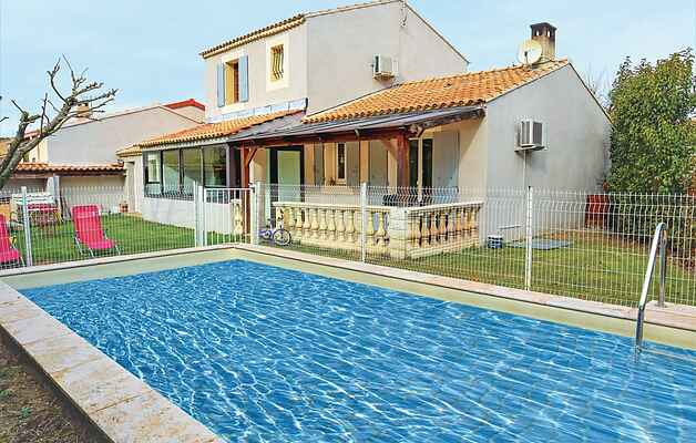 Holiday home in Caumont-sur-Durance
