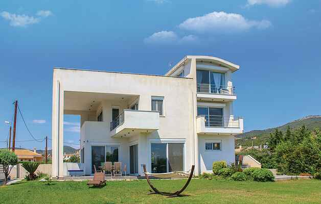 Holiday home in Loutra Elenis