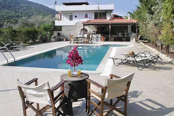 Holiday home in Alones