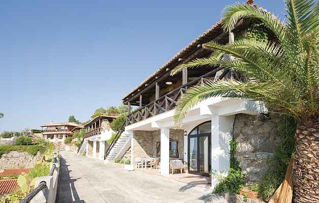 Holiday home on Costa dei Monaci