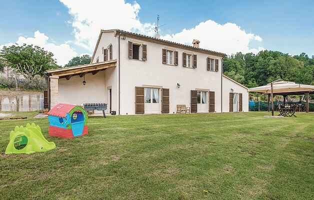 Holiday home in Fratte Rosa