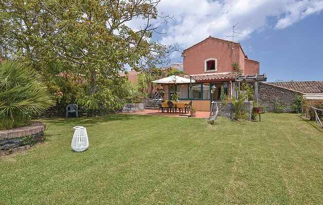 Holiday home in Sant'Alfio