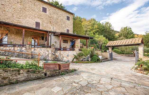 Apartment in Volterra