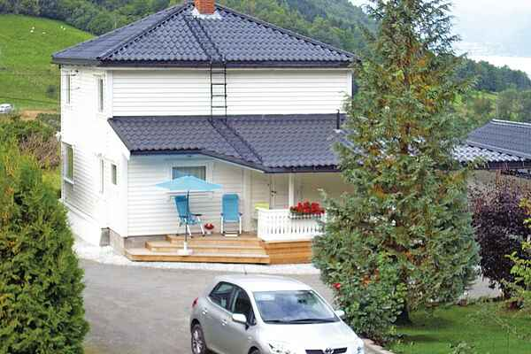 Holiday home in Fresvik