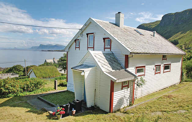 Holiday home in Herøy