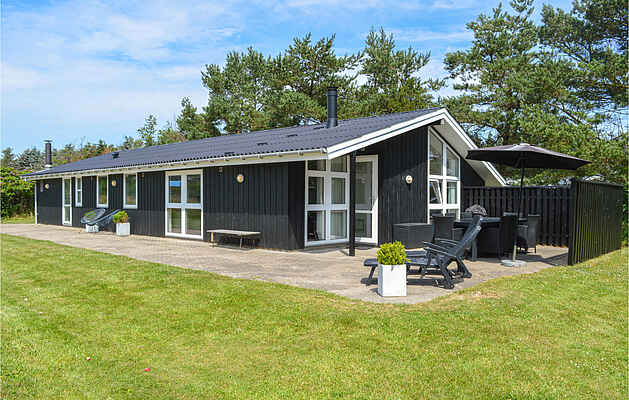 Holiday home in Bratten