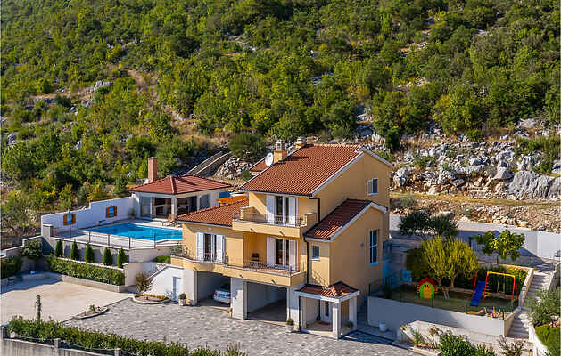Holiday home in Vrgorac