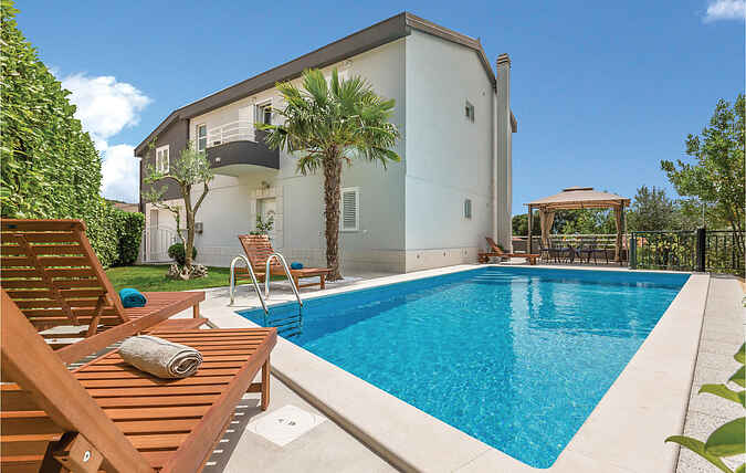 Holiday home nscdf994