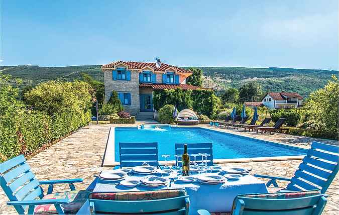 Holiday home nscdt474