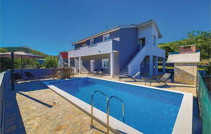 Holiday home nscdt742