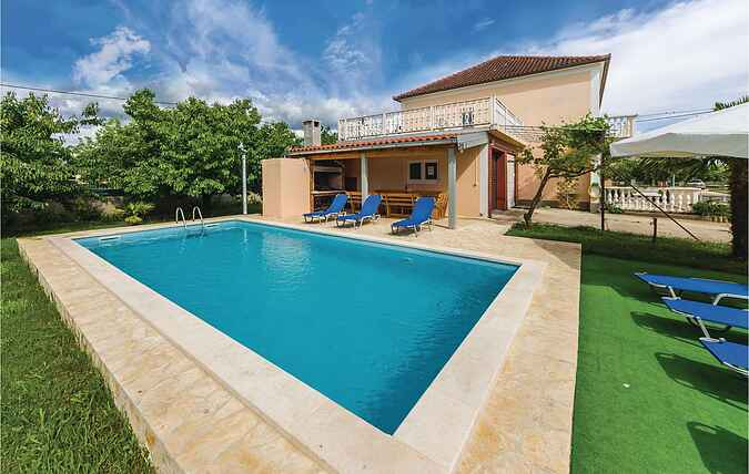 Holiday home nscdz528