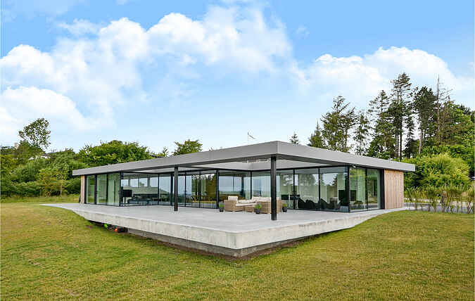 Holiday home nsd18010