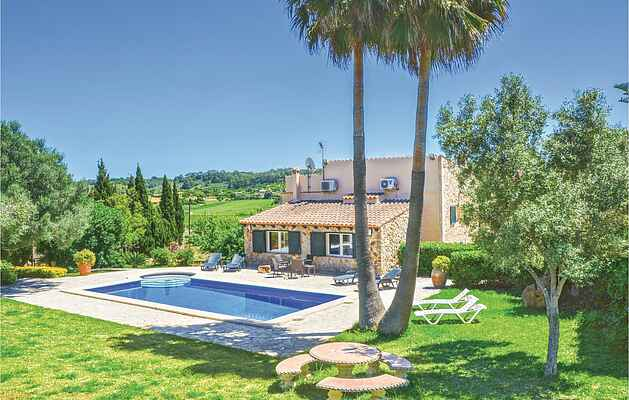 Holiday home in Sineu
