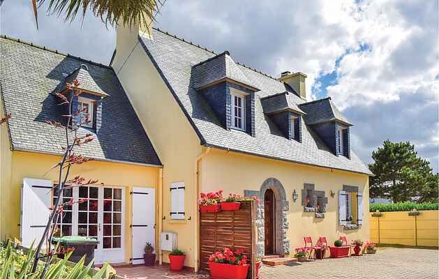 Holiday home in Cléder