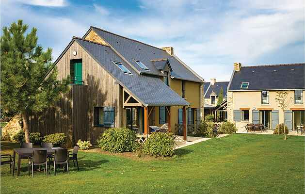 Holiday home in Cancale