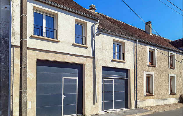Holiday home in La Celle-sur-Morin