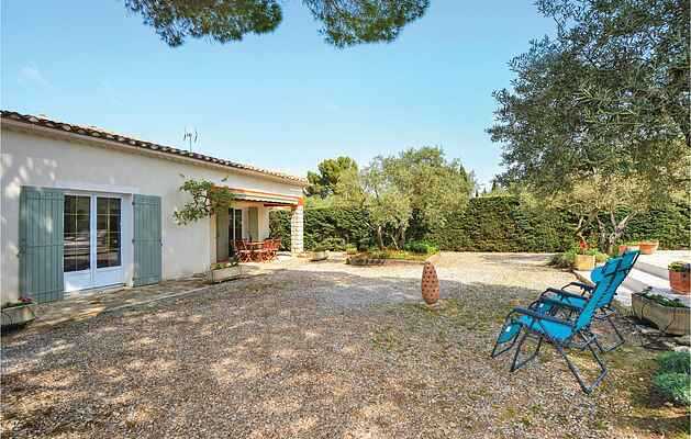 Holiday home in Saint-Rémy-de-Provence