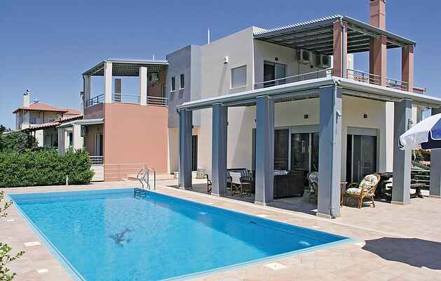Holiday home in Corinthia