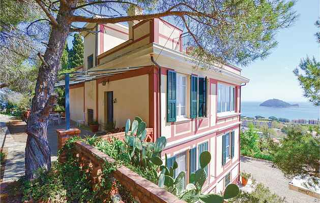 Holiday home in Albenga