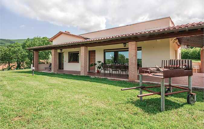 Holiday home nsiup698