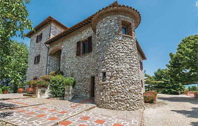 Holiday home nsiup741