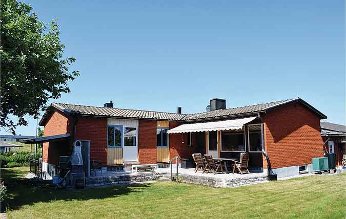 Holiday home nss42428