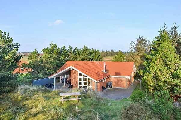 Ferienhaus in Blåvand (ss16305)  Typ:Ferienhaus  Personen bis:8  Schlafzimmer:4  Badezimmer:2