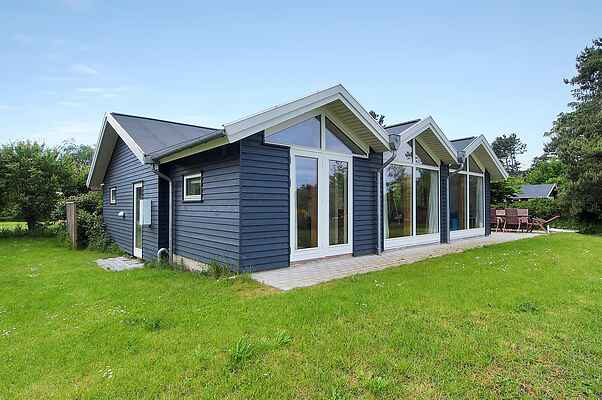 Holiday home in Ebbeløkke Strand