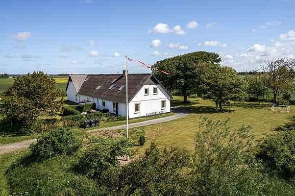 Farm house in Vrå