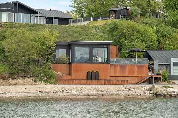 Sommerhus ved Sønderballe Strand