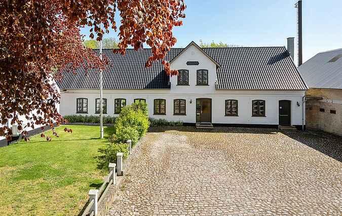 Gårdhus ss33082