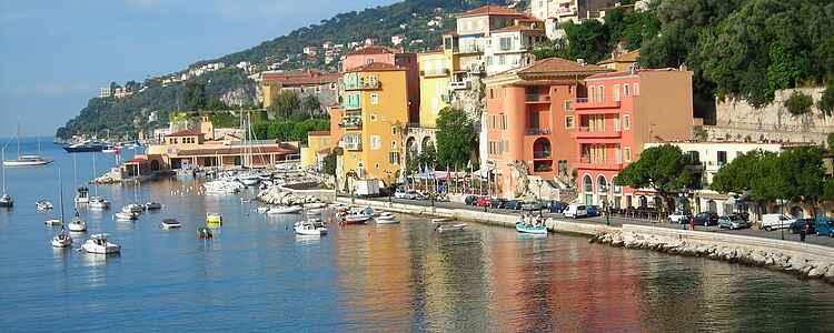 Villefranche-Sur-Mer: Cote d'Azurs fotogene kæledægge