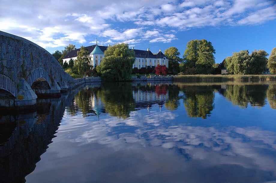 Gavnø Slot og sø