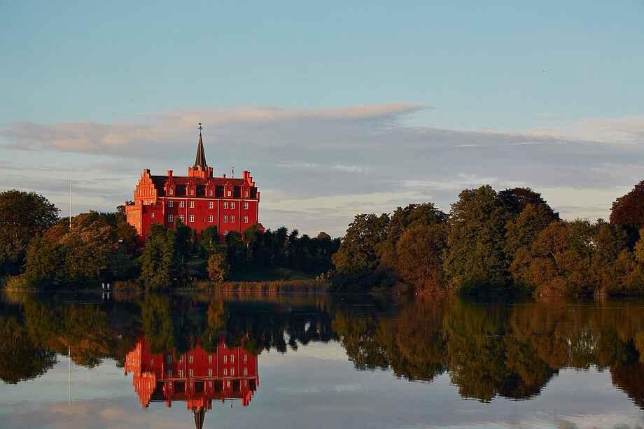 Tranekær Slot og slotssø